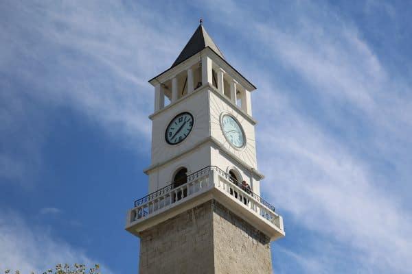 מגדל השעון של מסגד אטהם ביי בטירנה