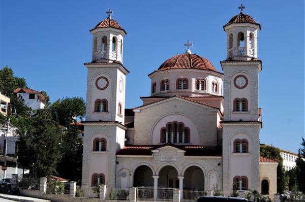 כנסיית השילוש הקדוש בבראט