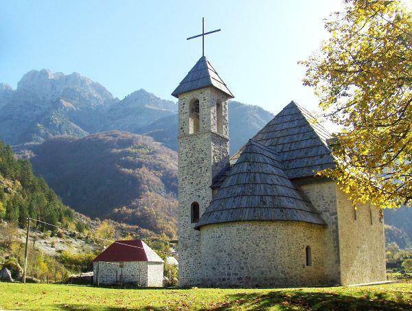 הכפר ת'ת' בצפון אלבניה