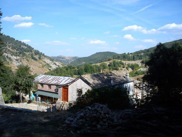 נופי הכפר Dardha