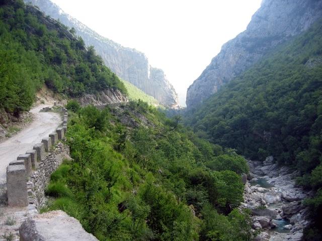 נוף בפארק הלאומי דיטי (Parku Kombëtar i Malit te Dajtit).