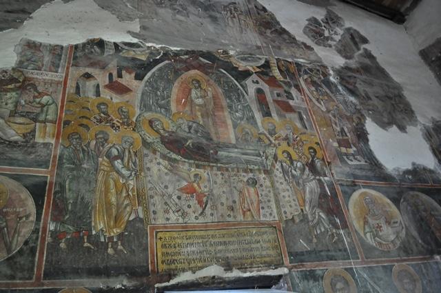 אחד מציורי הקיר בכנסיית שן מריה