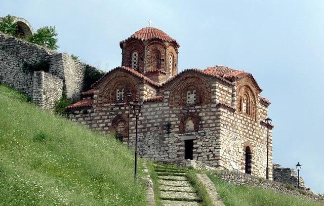 כנסיית טריניטי במצודת בראט