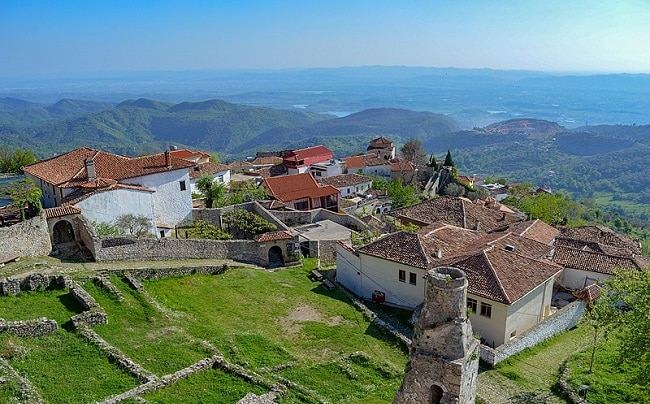 מבט מהטירה אל המרחבים - קרויה, אלבניה