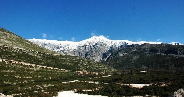 נוף חורפי במעבר ההרים Llogara אלבניה