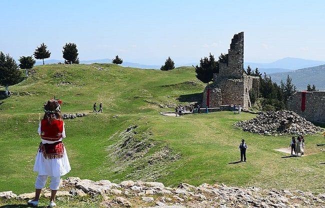 עתיקות מצודת Kanine