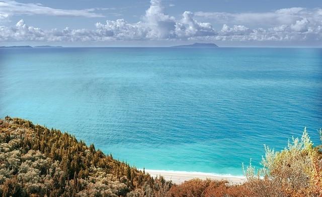 חוף בים היוני אלבניה