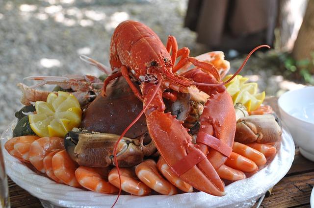 צלחת מאכלי ים בגולם אלבניה