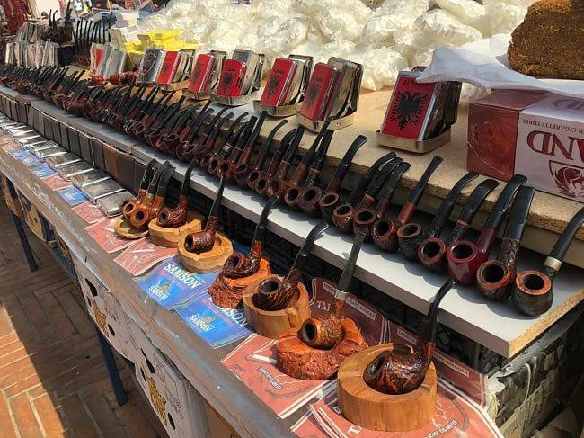 באסטה בשוק Pazar I Ri בטיראנה