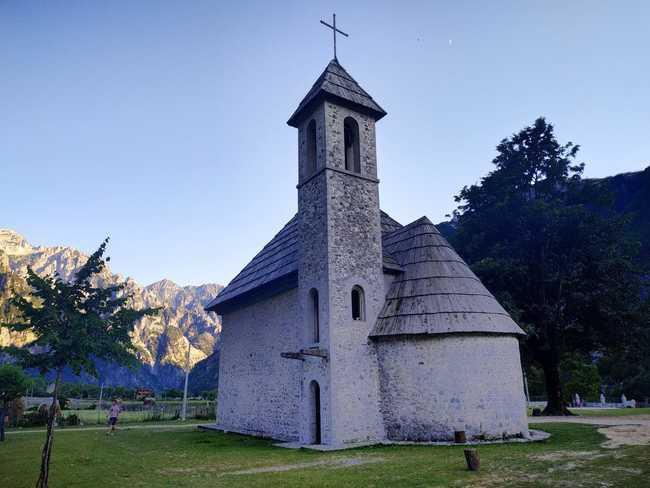 הכנסייה בכפר ט'ת - צילום - משפחת בן שדה