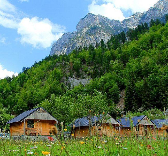 בקתות בכפר וולבונה