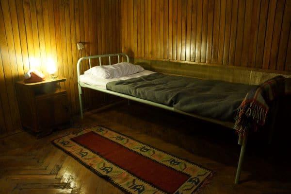 חדר השינה בדירתו של שר הפנים בבונקארט 2