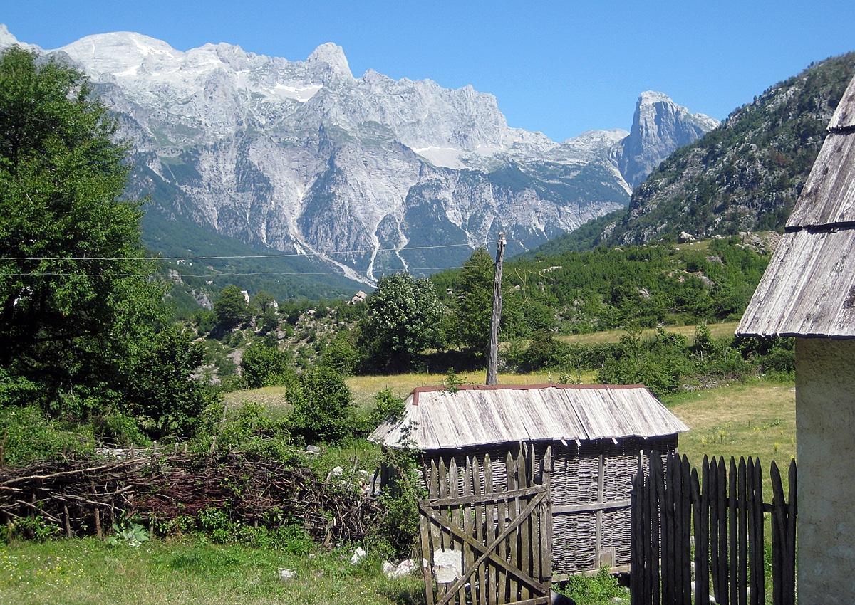 הכפר טת' - אחד המקומות היפים באלבניה
