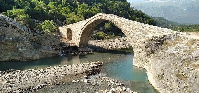 - גשר קטיו - Katiu בקניון לנגריצה - צילום נתי סקיטל